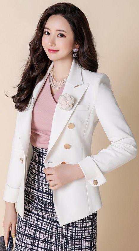StyleOnme_Luxury Pearl Rose Brooch #flower #rose #pearl #brooch #feminine #stylish #koreanfashion #kstyle #kfashion #springtrend #seoul #jewellery
