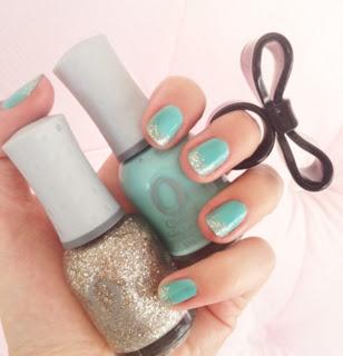 Aqua nail glitter tip