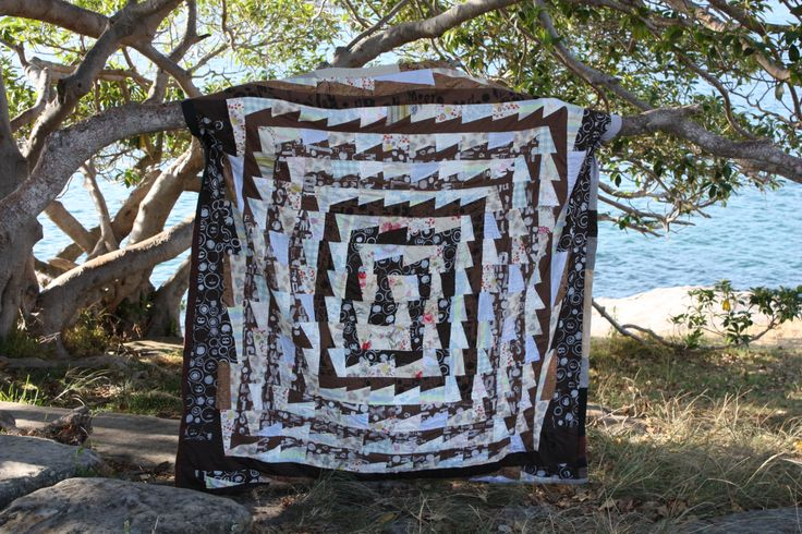 Kathy Doughty's quilt pattern 'Red Centre' made by Jess Wheelahan