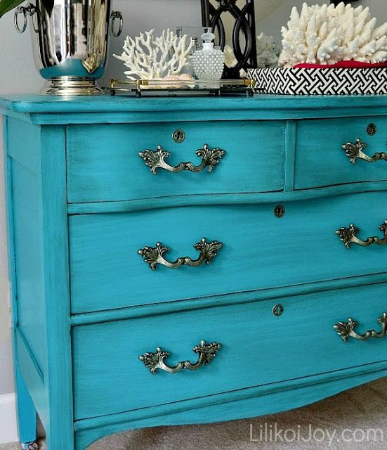 Turquoise dresser makeover - Benjamin Moore Bahaman Sea Blue in the pearl finish.