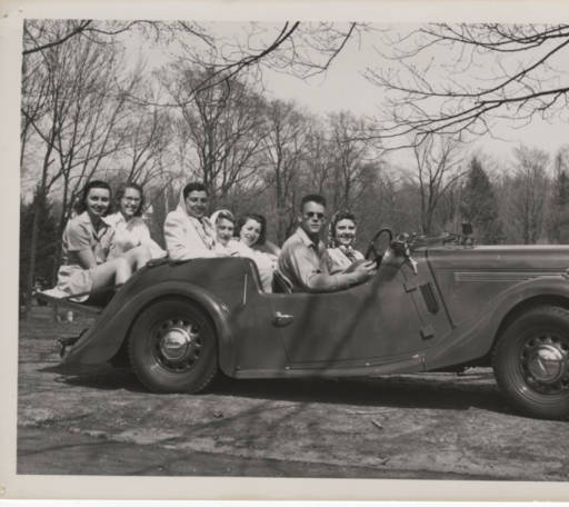Students take a drive, ca. 1940s :: Archives & Special Collections Digital Images