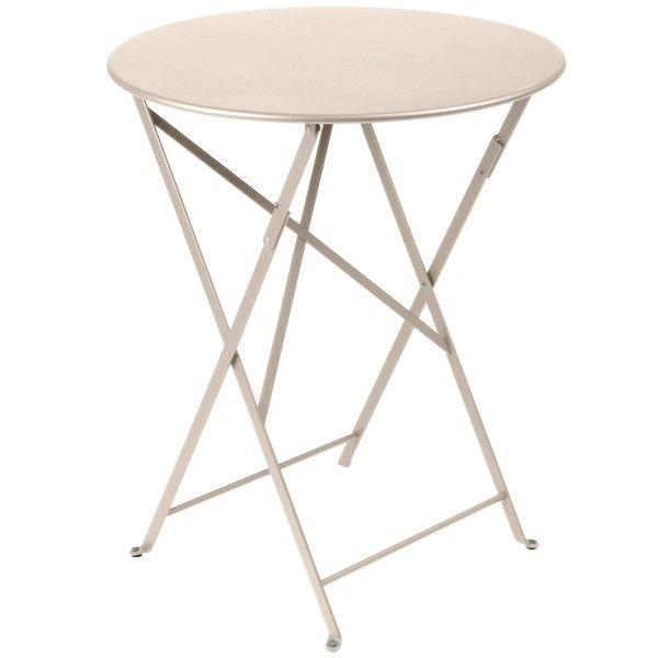 Fermob Bistro tafel 60. Zo'n tafel komt prima van pas op een tuinfeestje. #Fermob #bistrotafels #design #Flinders