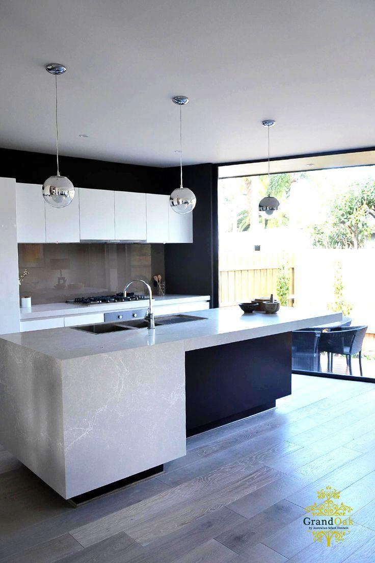 Grand Oak Timber Flooring: Gunsynd Oak Kitchen