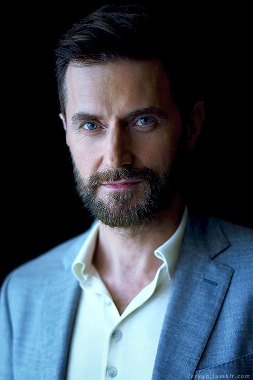 Richard Armitage, he's one of those guys who gets sexier the older he gets, sigh....