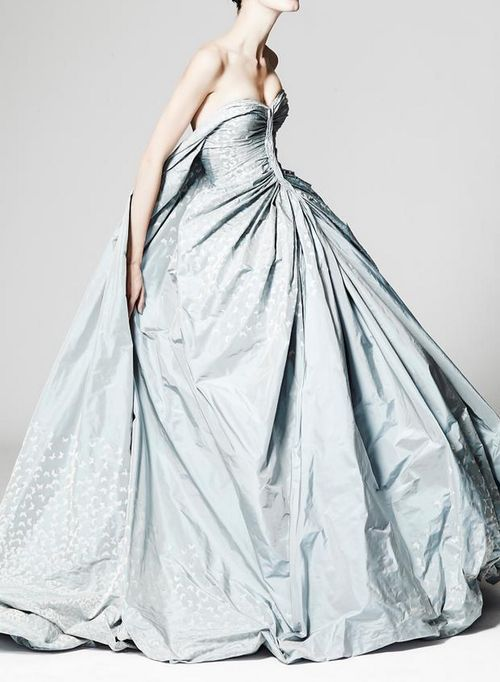 The perfect Cinderella dress?? Zac Posen Resort 2014. Repin by Inweddingdress.com #weddinggowns