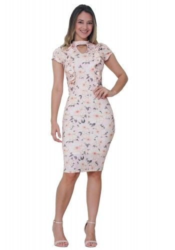 04882483e vestido tubinho rosa claro manga curta babados gola choker estampa floral  tata martello viaevangelica frente