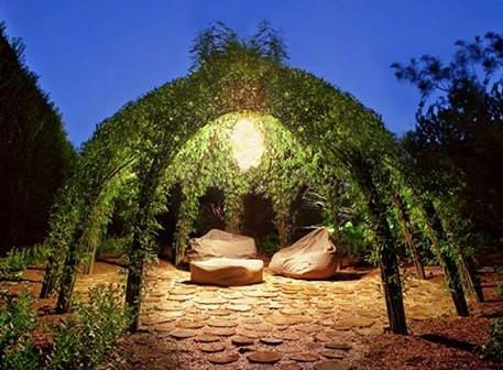 Willow hut. I want to go sit!