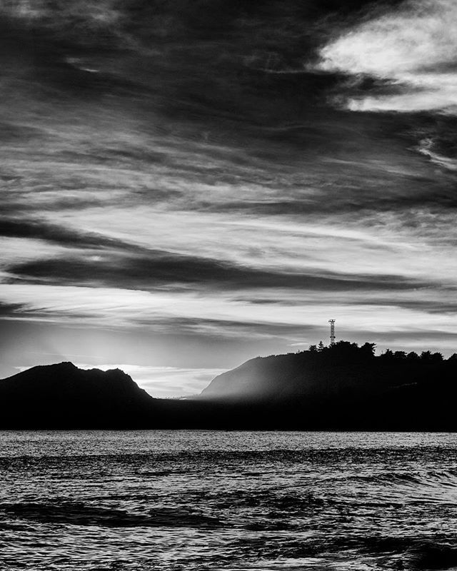 Comments & criticism are welcome. /////. #sf #sanfrancisco #abstract #bnw #bnw_captures #bnw_society #california #blur #focus #tiltshift #horizont #sea #seascape #waterscape #sky #sunset #texture #acantilado #fineart #impressionism #view #vistapoint #bigsur #marinheadlands #depechemode #bnw_planet #hengkikoentjoro #bnw_creatives #outdoorsjournal #friendsinperson_09 #marinheadlands #montereylocals - posted by Lucas https://www.instagram.com/lucas.ranzuglia. See more of Big Sur at…