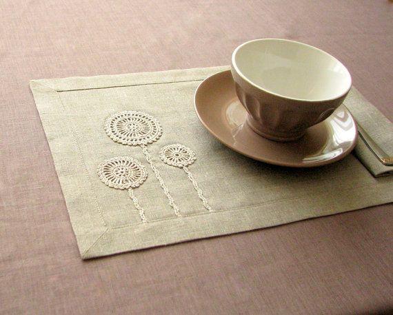 Linen placemats set of 2 with handmade crochet by daiktuteka