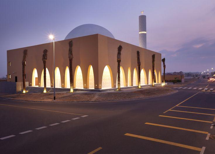 Ibda Design uses sandstone and marble for mosque in Dubai