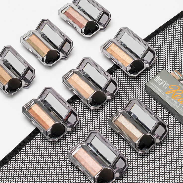 Bat your eyes at these 8 NEW eyeshadow duos! They're real! duo shadow blender gives you a wide-eyed look with perfectly paired shades in satin, shimmering and soft matte finishes. Ooh the possibilities! What shades will you try first?