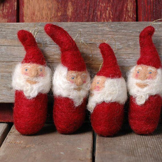 Urlaub Santa Gnome in rot gefilzte von BossysFeltworks auf Etsy