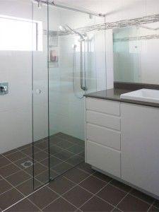 High Quality Glass Shower Screens from $455. Framed, Frameless, Semi-Frameless, Bi-Fold & Sliding Shower Screen suppliers & installers. Free Quotes