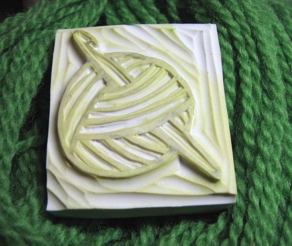 Hand-Carved Rubber Stamp - Yarn with Crochet HookStamps Punch Prints Stencils, Diy Stamps, Amazing Stamps, Crochet Hooks, Hands Carvings Rubber, Yarns, Crochet Rubber, Sellos Stamps, Rubber Stamps