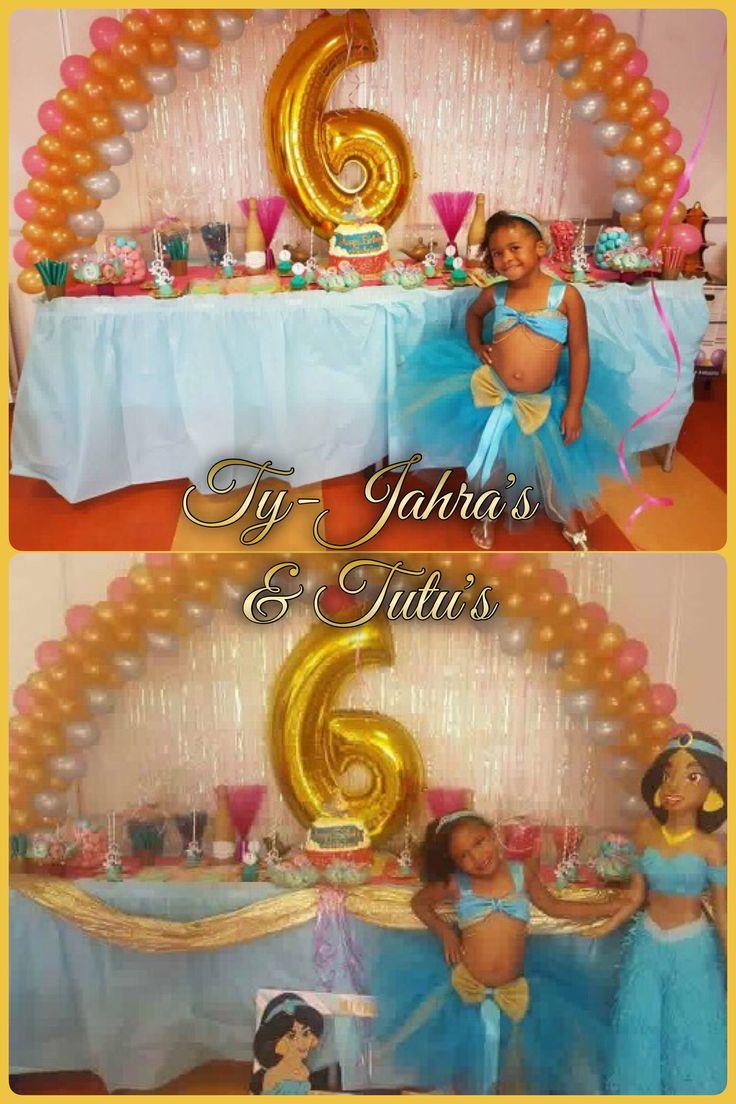 Arabische zomerdag voor dit prinsesje.   Zo cute in der prinses Jasmine Tutu Met diadeem erbij Alles blauw met goud  Have Fun & Enjoy! @tyjahrastutus ✨🎀✨