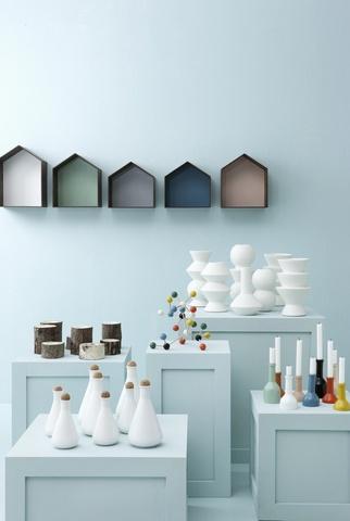 Little houses book shelves, love the idea! By Fern Living. http://www.pure-deco.com/etagere-murale/1295-etagere-bois-studio-ferm-living.html