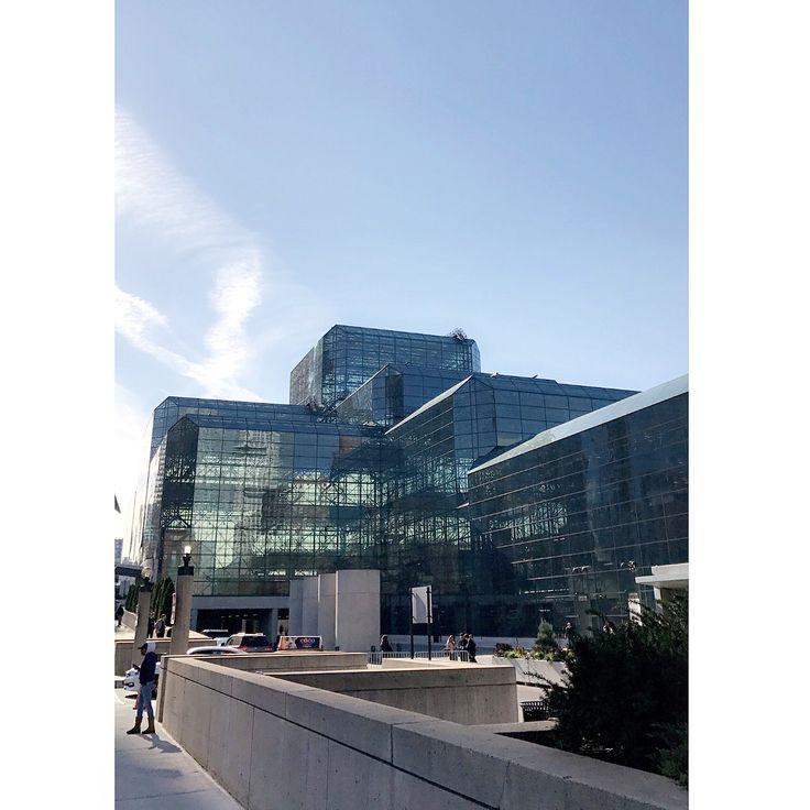 Jacob Javits Convention center hosts BDNY  .  .  .  .  #bdny2017 #BDYN #boutiquedesign #newyork #ny #javitscenter #design #interiordesign #interiordesigner #professionaldevelopment #manhattan #designnewyork #architecture
