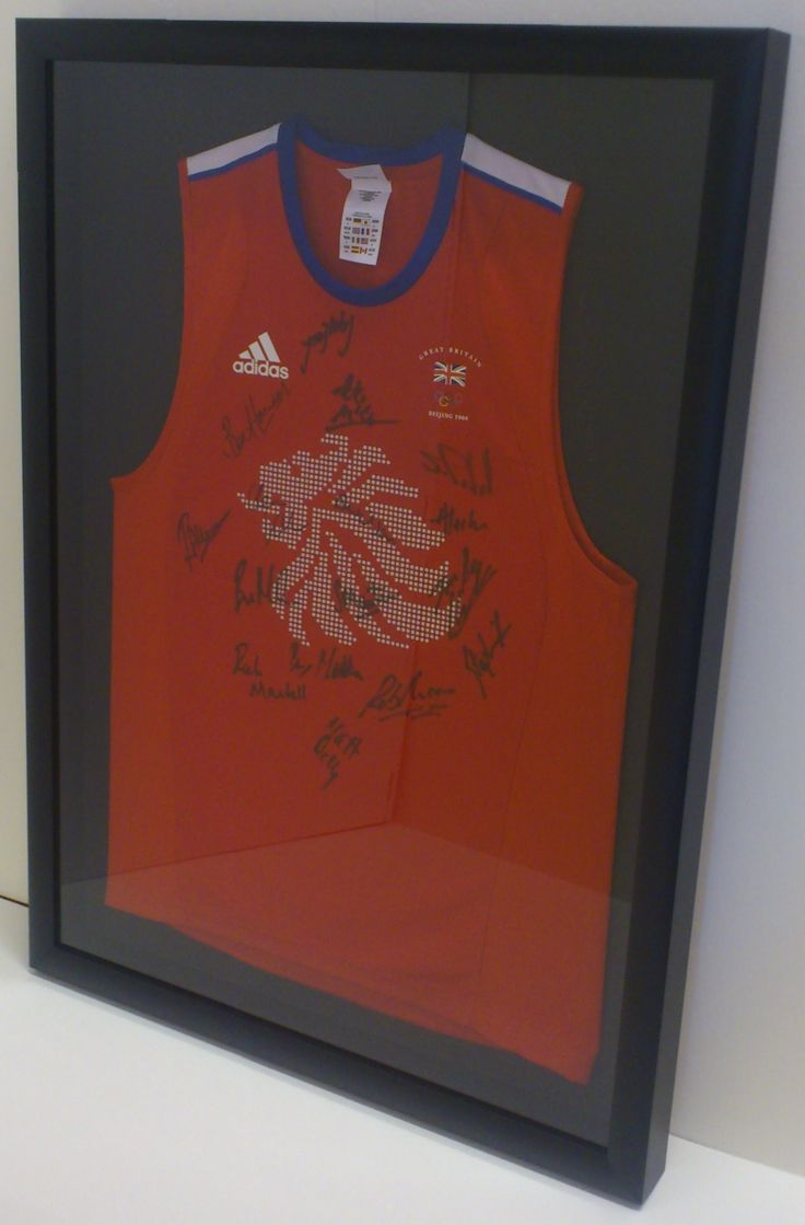 Team GB Hockey shirt from the Beijing Olympics.  Simple black deep frame with matching black mount.  Worn by and framed for Team GB Hockey Player Matt Daly.