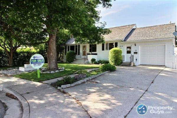 Private Sale: 1819 2A Avenue North, Lethbridge, Alberta - PropertyGuys.com