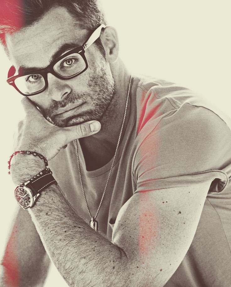 Chris Pine...and the glasses.
