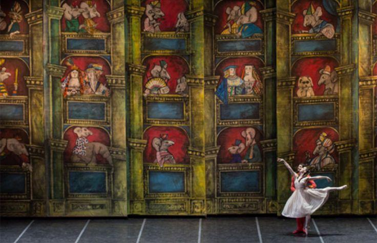 È Lo Schiaccianoci italiano più bello, uno dei più interessanti della storia della danza, senz'altro uno dei più incantevoli e variopinti: con la coreografia di Amedeo Amodio, le scene e i costumi di Emanuele Luzzati, la nuova produzione del balletto... #AmedeoAmodio #AnbetaToromani #Aterballetto