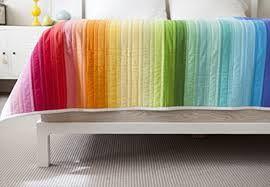 jelly roll rainbow quilt - http://www.creativebug.com/workshops/rainbow-jellyroll-quilt-top