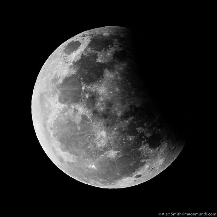 Handheld eclipsed moonshot August 7 Cape Town #imagemundiphoto by @imagemundi #lunareclipse #moon #eclipse #handheld #steady #astronomy