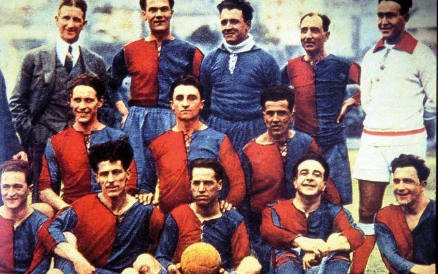 Genoa: la storia della società più antica d'Italia Nata nel 1893, il Genoa è a tutti gli effetti la società di calcio ,ancora in attività, più antica d'Italia. Fu fondata da un gruppo di inglesi, mentre il primo stadio fu costruito da due imprenditor #genoa #calcio #seriea #italia #storia
