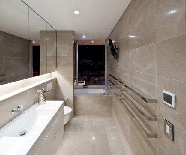 1000 id es propos de salle de bains troite sur - Carrelage salle de bain beige ...