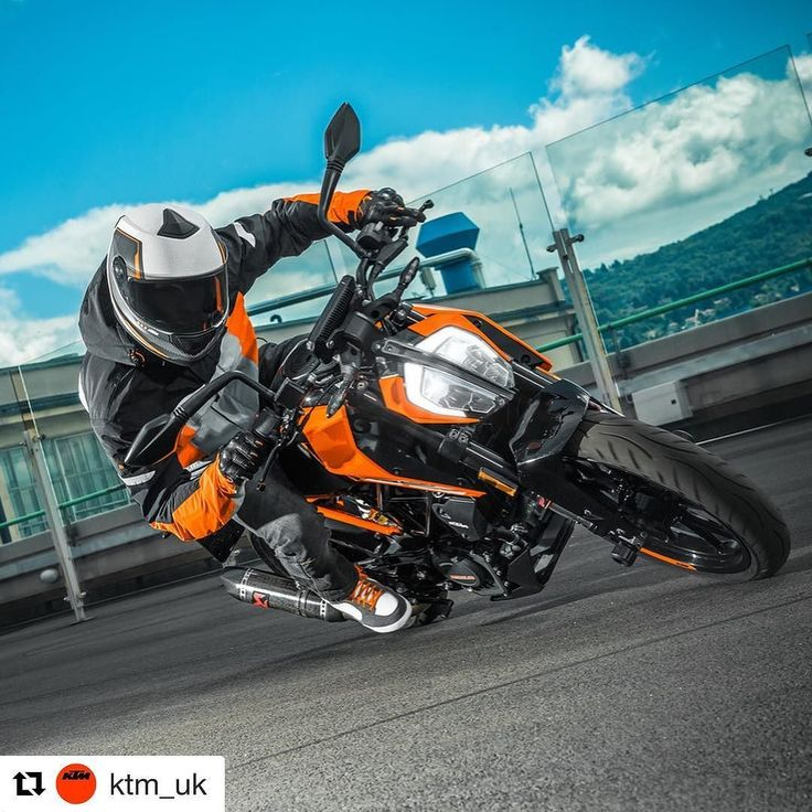 #StreetbikeSunday  KTM Finance makes it easier than ever to purchase a new KTM! Check out our latest finance promotions across our range of single cylinder models smcbikes.com 01142525454  #KTM #DUKE #RC125 #RC390 #READYTORACE http://ift.tt/2v7Hk8Z