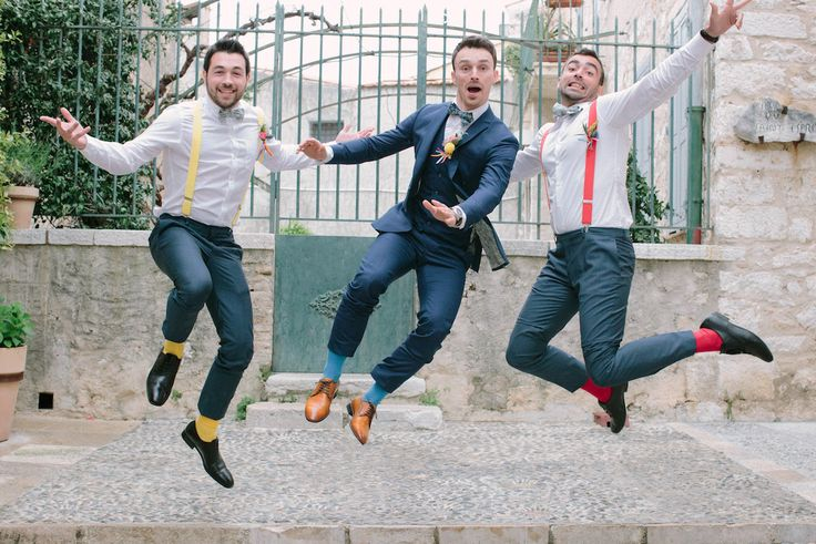 INSPIRATION // Your gang, your friends, this moment just for groom and his groomsmen usher | party | fun | groom | guest | friend | gang | groomsmen poses | groomsmen attire | garçons d'honneur | garçons d'honneur accessoires