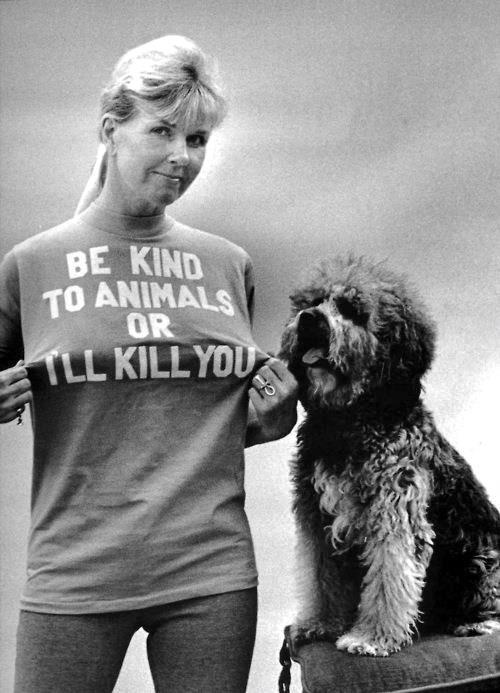 Doris Day, animal lover... LOVE it! I want that shirt!!