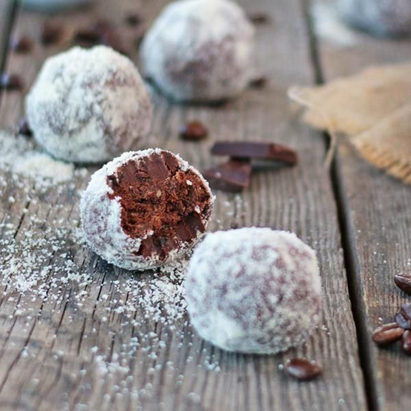 YouFoodz | Espresso Protein Balls $4.95 | We all know that chocolate and coffee are the perfect couple, so we've combined them with the goodness of dried fruit | #Youfoodz #HomeDelivery #YoullNeverEatFrozenAgain