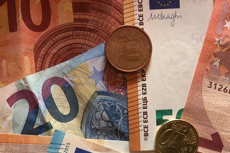 http://www.lemonde.fr/famille/article/2017/09/30/la-revalorisation-de-0-8-des-pensions-de-retraite-vise-la-quasi-totalite-des-pensions-de-base_5194094_1764986.html