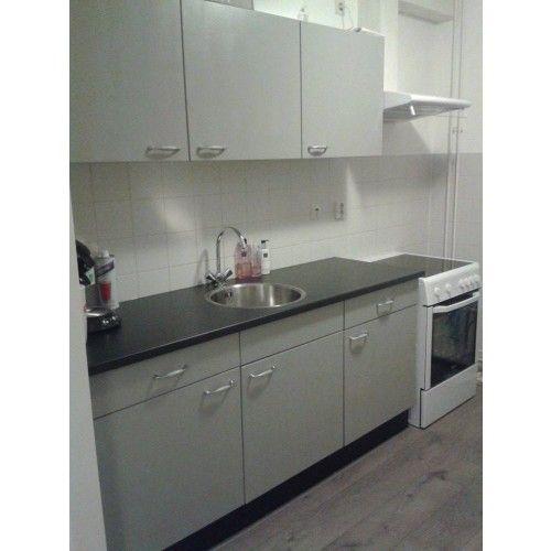 Keuken transformatie in annie sloan krijtverf paris grey annie sloan chalk paint paris grey - Verf keuken lichtgrijs ...