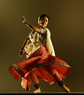 Kathak dancers combine traditional Indic and Middle Eastern traditions in a way that can be strikingly reminiscent of its cousin dance, flamenco, on occasions. The twirling of kathak may in part be inspired by Sufism and the influence of the Whirling Dervishes in other parts of the Islamic world.