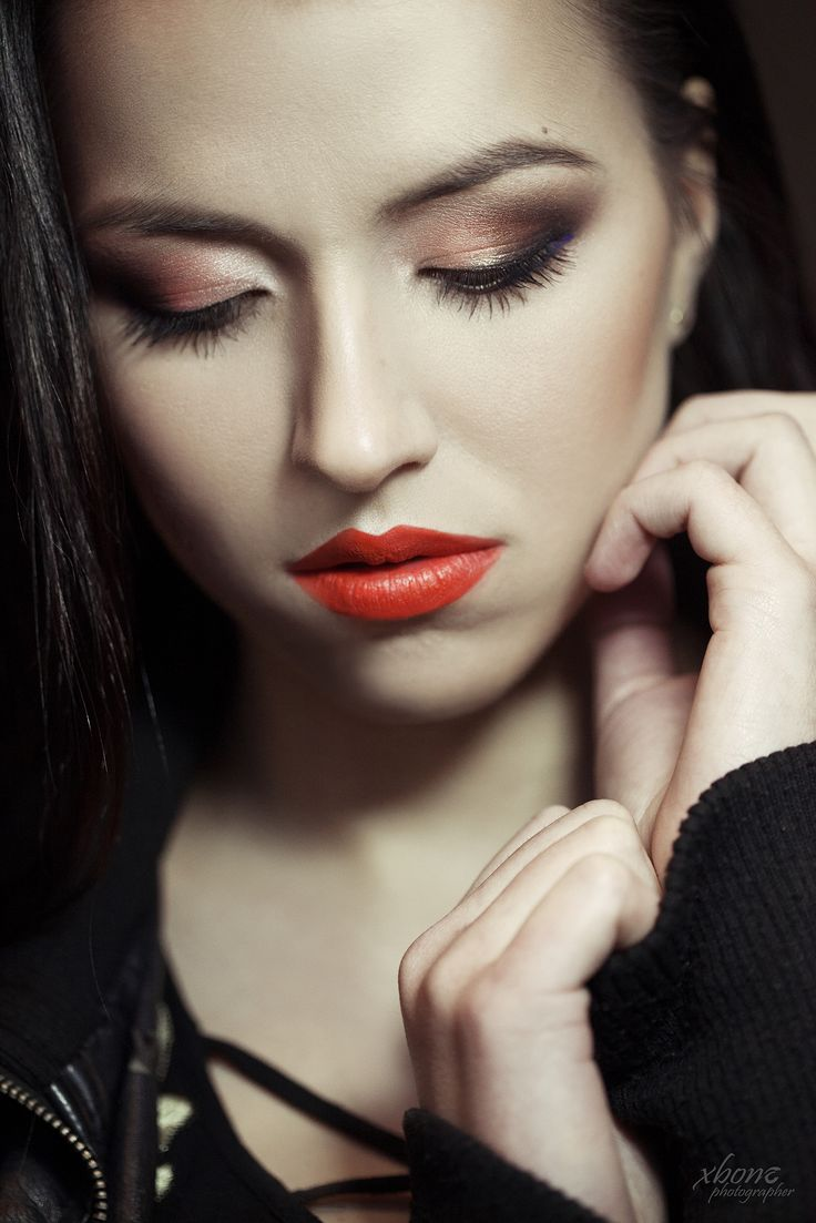 portrait, lips, make-up, eye shadow, skin, close up, orange lips, darkhair
