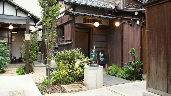 """昭和の面影が残る「上野桜木あたり」 はじめまして!箱庭キュレーター新入りの戸田江美です。普段はWebデザイナーをしながら、写真を撮ったりしています。 突然ですが、""""谷根千""""ってご存知ですか? 東京 […"""