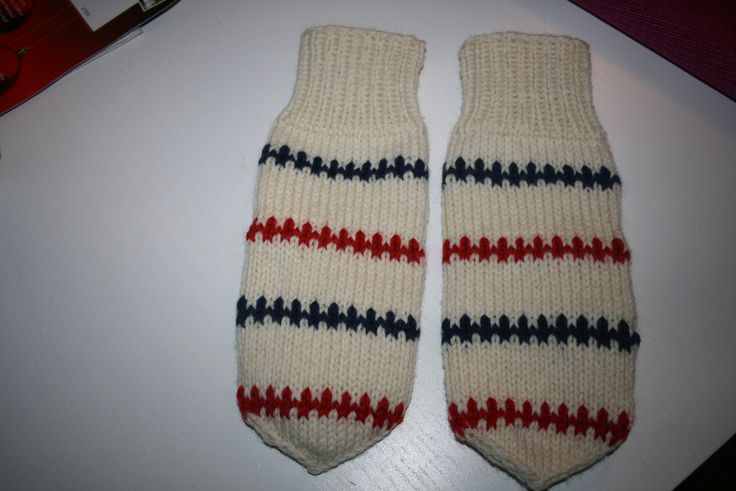 knitted mitterns