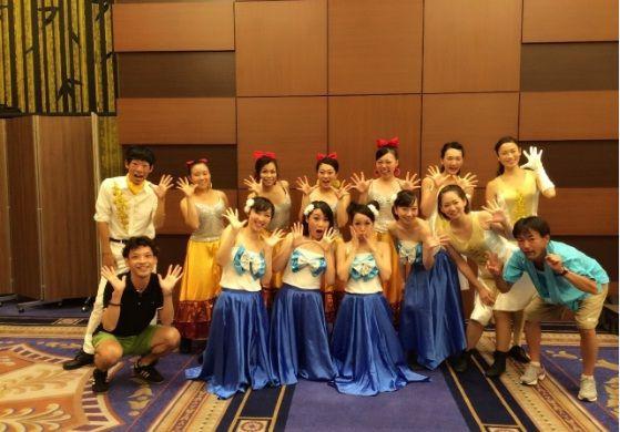 テーマパークダンサーオーディション合格を目指そう!【Tune in プロダンサー科】『テーマパークダンサー育成クラス』 長年に渡り日本最大のテーマパークでダンサーを務めた講師が指導します。 【Tune in DANCE STUDIO】Themepark-Dancer Class http://www.tunein-creative.com/dance-college/