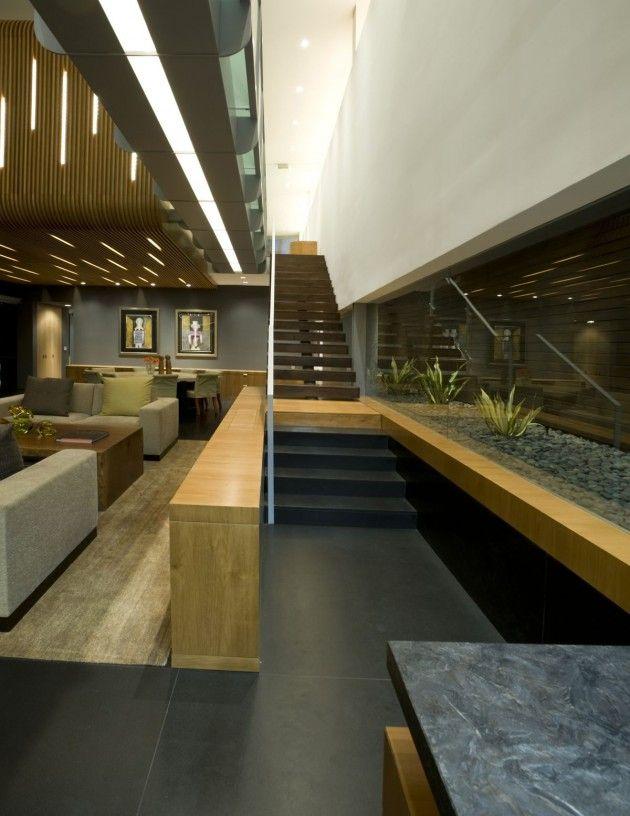Hover House 2 by Glen Irani Architects