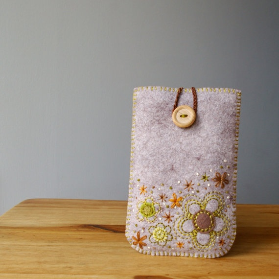 Gadget case - nice coloured embroidery stitches
