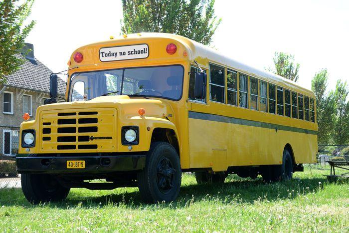 Maison d'enchères en ligne Catawiki: International - S1800 autobus scolaire des USA -  camping-car - camion restauration - 1984