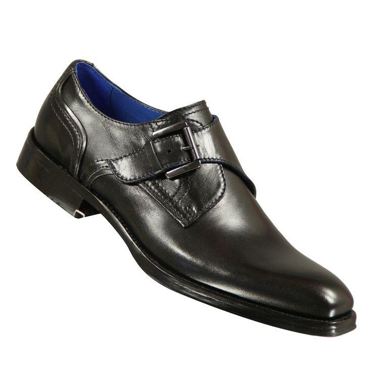 Strepen die zwarte schoenen achterlaten kun je weghalen met een babylotiondoekje of met een droge tennisbal.