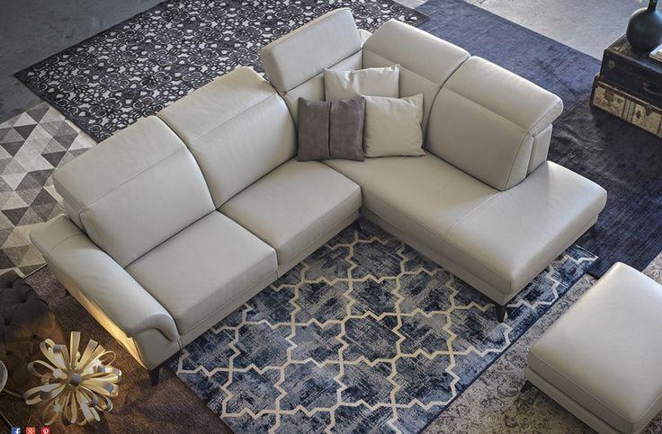 Il divano deve essere, per definizione, il luogo in cui potersi rilassare comodamente. I meccanismi e le imbottiture accoglienti al punto giusto assolvono questo compito rendendo la seduta sempre più confortevole