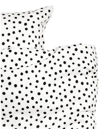 White/black. CONSCIOUS. Twin duvet cover set in woven Tencel® lyocell and cotton fabric with a printed pattern. One pillowcase. Supplied in matching