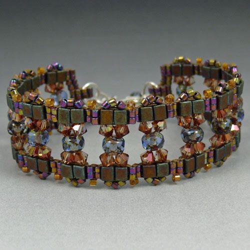 nice use of cube beads.