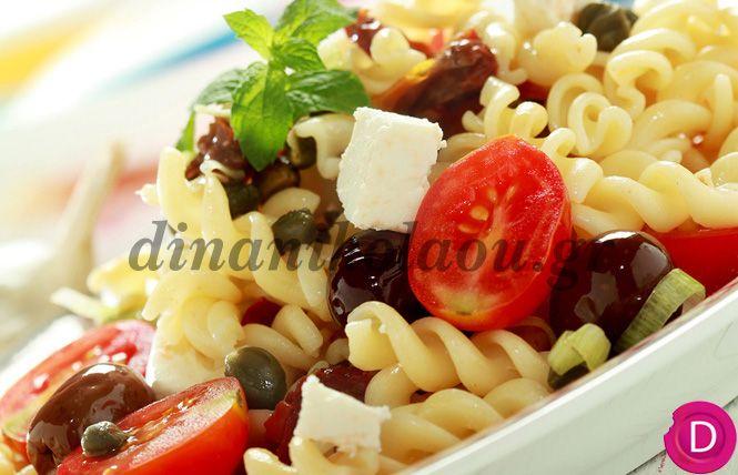 Βίδες με χωριάτικη σαλάτα | Dina Nikolaou
