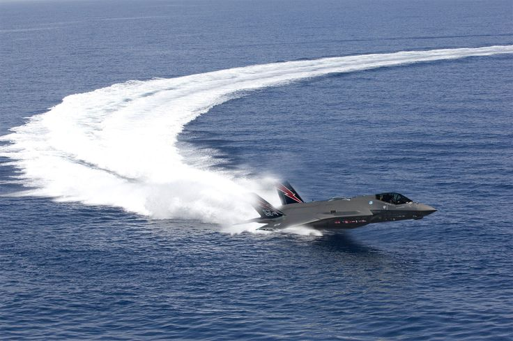 F35 rides the waves The amazement of flight Speed