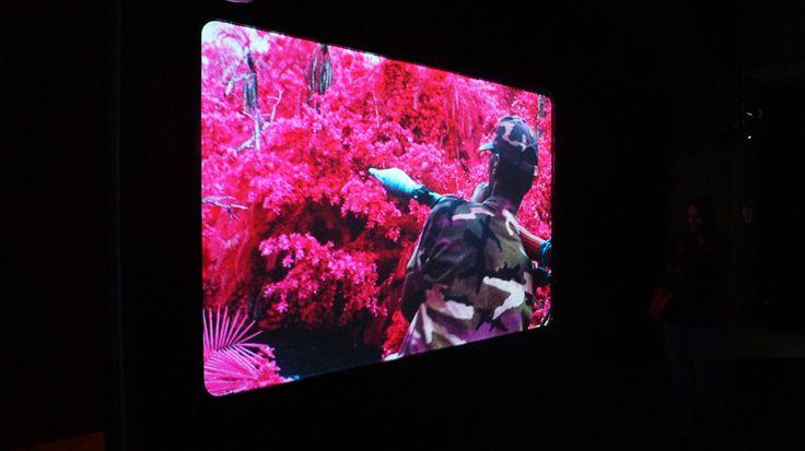 Amsterdam | Richard Mosse (1980) benadert in The Enclave oorlogsfotografie op een esthetische en psychedelische manier. Door middel van deze ongewone benadering probeert Mosse een oorlog, die in de Westerse media nauwelijks aandacht krijgt, onder de...